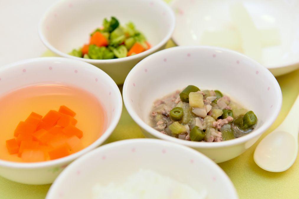 ポピンズナーサリースクール高輪(管理栄養士/栄養士の求人)の写真1枚目:食事を通して子どもたちの健康を支えています