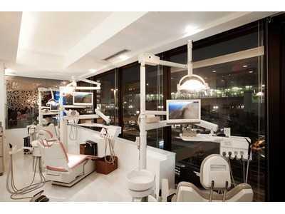ホワイトブライトデンタルオフィス(歯科医師の求人)の写真5枚目:診療室から見える景色は絶景です。