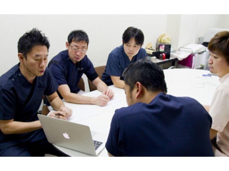 よつばインプラントセンター植村歯科の写真2枚目:院内勉強会をはじめ充実した研修カリキュラムを用意