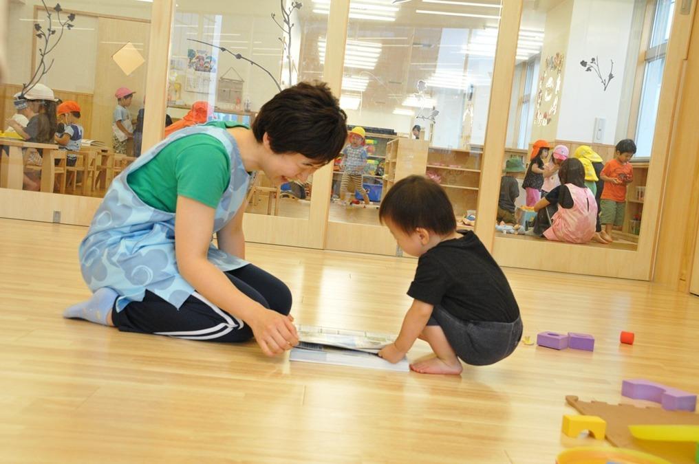 グローバルキッズ千早園(看護師/准看護師の求人)の写真3枚目:子ども達には、ていねいで優しい関わりをしています。