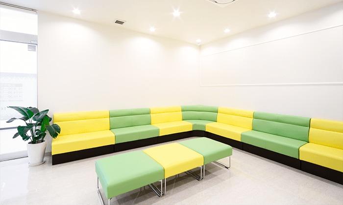 あいざわキッズクリニック(医療事務/受付の求人)の写真3枚目:待合室です
