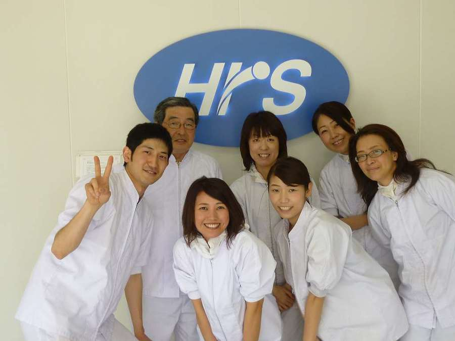 株式会社ホームラン・システムズ 山形大学病院内の厨房(管理栄養士/栄養士の求人)の写真:チームワーク抜群の職場です。 20代から70代まで幅広い年齢層が活躍しています。