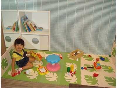 中華街歯科医院(歯科衛生士の求人)の写真3枚目:キッズスペースを備えてありますので、小さなお子さんをお連れの方も安心してご来院いただけます