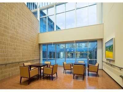 特別養護老人ホーム ライフ松川(看護師/准看護師の求人)の写真:施設内は明るく清潔感があります