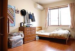 グループホームイーハトーブ(介護職/ヘルパーの求人)の写真1枚目:洋室の居室です