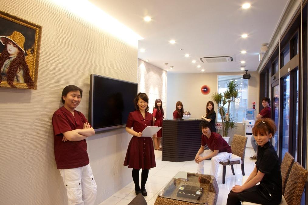 スイート歯科クリニック(歯科助手の求人)の写真:和気あいあいとしたスタッフで一致団結しております。
