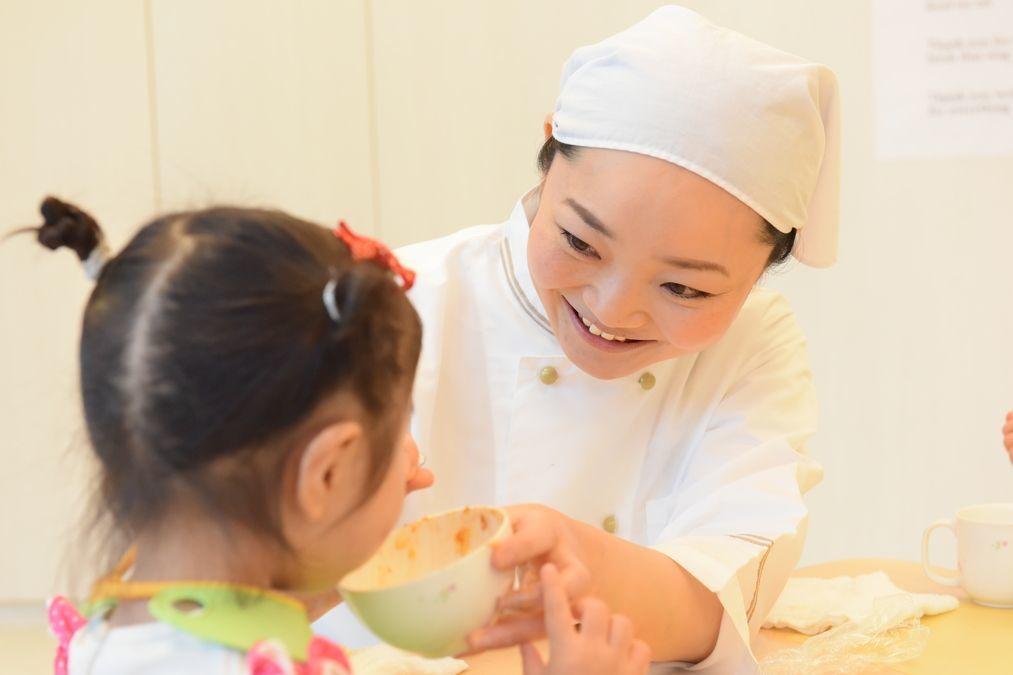 ポピンズナーサリースクール方南町(管理栄養士/栄養士の求人)の写真1枚目:子どもたちの成長を近くで見守り支えることができるやりがいあるお仕事です