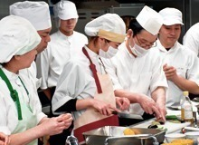 フジ産業株式会社 介護付有料老人ホームチャームスイート宝塚売布内の厨房の画像