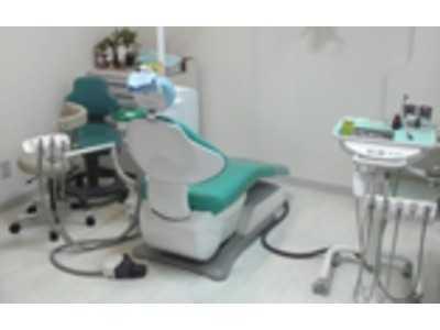 カニ歯科医院の画像