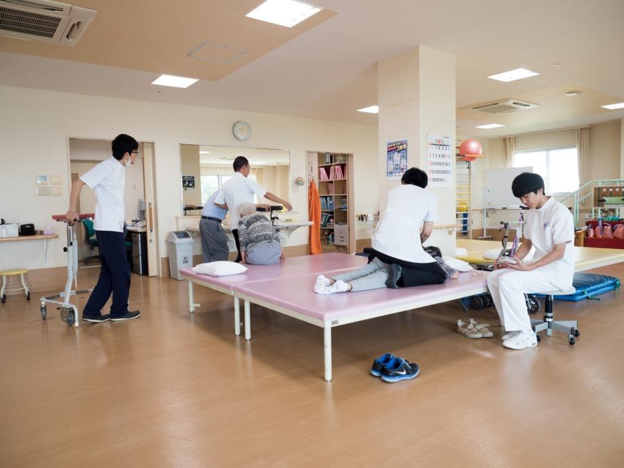 介護老人保健施設鳥羽豊和苑(作業療法士の求人)の写真: