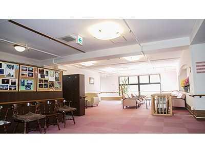 イリーゼ岡谷(介護職/ヘルパーの求人)の写真2枚目:全室個室60室住宅型有料老人ホームです