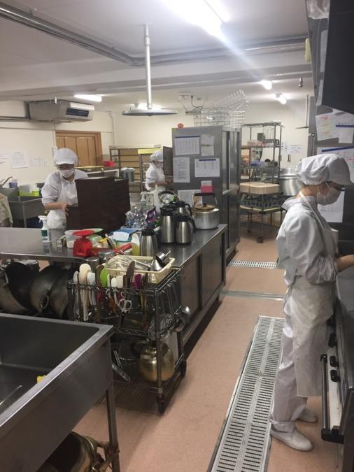名阪食品株式会社増美保育園田町内の厨房