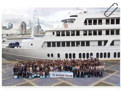 姫宮調剤薬局(薬剤師の求人)の写真2枚目:100店舗達成記念として、神戸コンチェルトを貸し切り船上パーティーを開催しました!