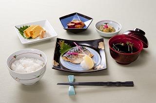 株式会社ホームラン・システムズ 軽費老人ホーム海老津園内の厨房の画像