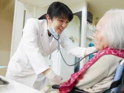 わかば台デンタルクリニック・歯科訪問診療(歯科医師の求人)の写真1枚目:患者様とのコミュニケーションを大事にひとりひとりに合った治療を提供しております。