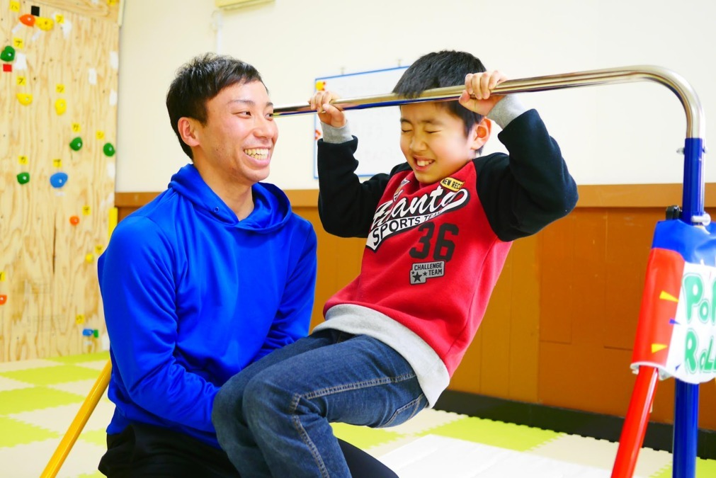 運動型認知機能トレーニング施設PLAYnジム茨木駅前教室【2019年04月01日オープン】(理学療法士の求人)の写真:少しのサポートで「できること」は増やせます