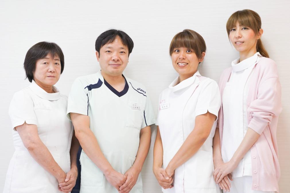 八木歯科医院の写真1枚目:家族のようなあたたかい雰囲気の職場です