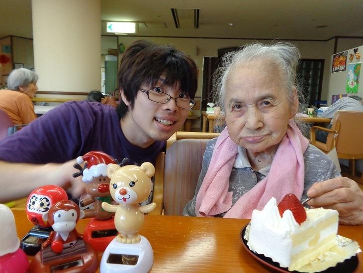 特別養護老人ホームしはとの郷(介護職/ヘルパーの求人)の写真4枚目:ご利用者さまの誕生日