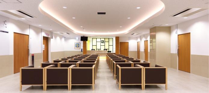 浜脇整形外科病院(看護師/准看護師の求人)の写真:開放感のある総合受付・待合室です