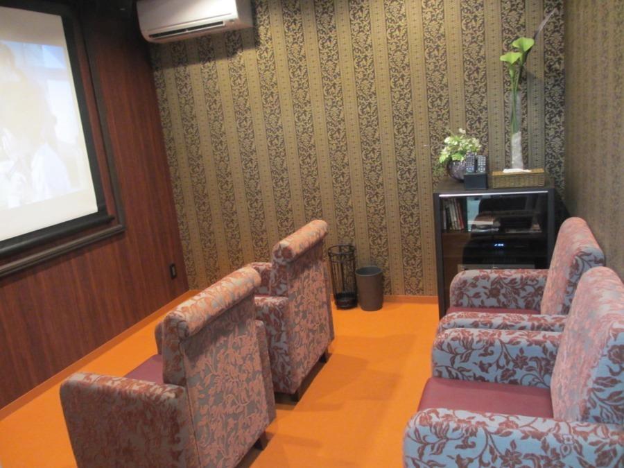 ラ・ナシカ うえだ(介護職/ヘルパーの求人)の写真5枚目:こちらはシアタールームです。