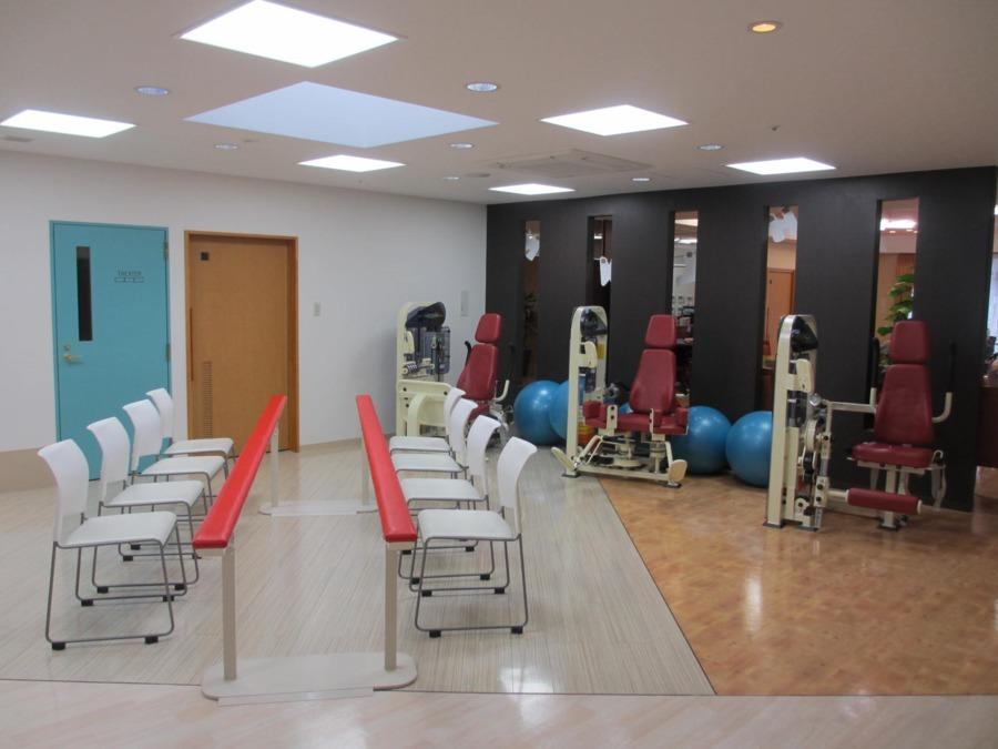 ラ・ナシカ うえだ(介護職/ヘルパーの求人)の写真2枚目:機能訓練室です。 機能訓練を実施し、入居者様の健康維持に努めています♪
