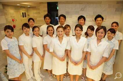 赤坂デンタルオフィス(歯科助手の求人)の写真1枚目:患者さまへのホスピタリティーを重視しています