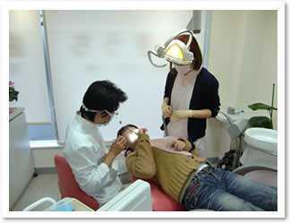医療法人 かきうち歯科医院(歯科衛生士の求人)の写真1枚目:私たちは、痛くない歯の治療を追求しております。