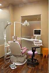 クロスガーデンデンタルクリニックの写真1枚目:あなたも当院でスキルアップを目指しませんか?