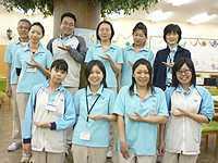 デイサービスセンター目黒中町(介護職/ヘルパーの求人)の写真12枚目:スタッフ同士の信頼と笑顔が、お客様にとって心地よいサービスに繋がります。