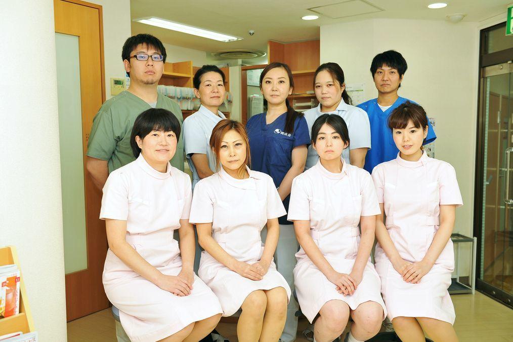開成歯科ダイエー市川医院(歯科医師の求人)の写真:頼りになる先輩がお待ちしています!