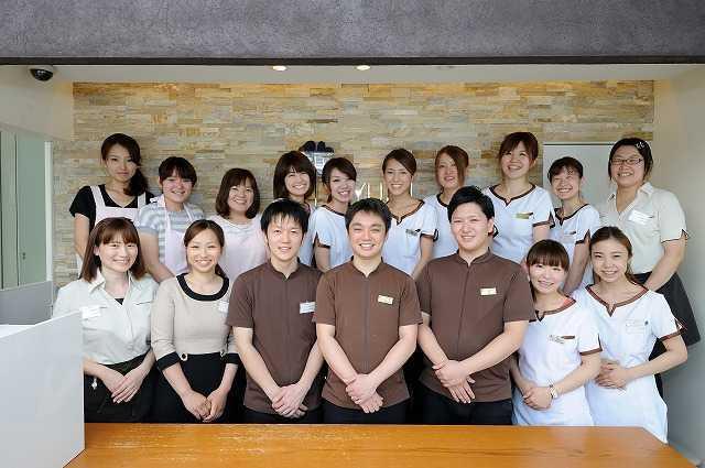 医療法人隆歩会あゆみ歯科クリニック松井山手の写真3枚目:個性豊かなたくさんのスタッフがあなたをお待ちしております