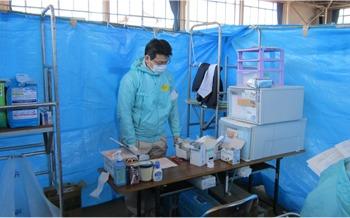 クスリのコダマ吉田店(登録販売者の求人)の写真6枚目:東日本大震災では被災地の避難所に臨時薬局を設置し、患者様に対応しました