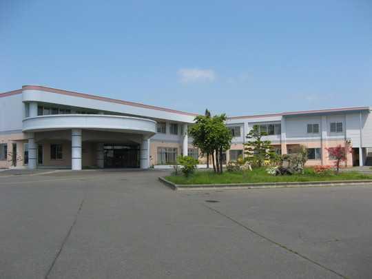 老人保健施設北村温泉ナーシングホーム(介護職/ヘルパーの求人)の写真:明るい雰囲気の施設です!