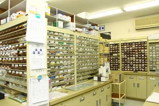 富高薬局 鶴町支店(薬剤師の求人)の写真3枚目:設備も整っています