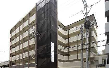 スーパー・コート京・四条大宮(看護師/准看護師の求人)の写真:京の町屋をイメージした建物です
