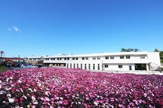 住宅型有料老人ホーム アットホーム尚久富岡東(看護師/准看護師の求人)の写真1枚目:新設の老人ホームです
