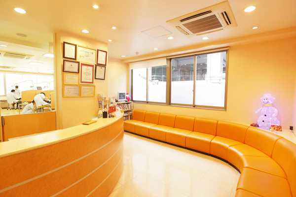 医療法人輝翔会 西大津歯科医院(歯科衛生士の求人)の写真1枚目:駅からも近く、通勤はとても便利です♪