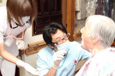 新大阪デンタルクリニック(歯科医師の求人)の写真1枚目: