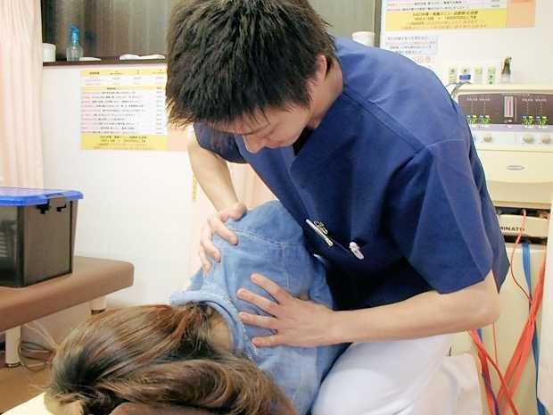 杉並骨盤整骨院(鍼灸師の求人)の写真10枚目:保険診療から自費診療まで幅広く対応している治療院なので、多彩な臨床経験を積むことができます