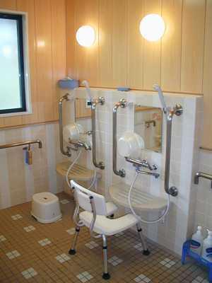 桜の家ショートステイ(介護職/ヘルパーの求人)の写真2枚目:機械浴などのケアしやすい環境が整っています