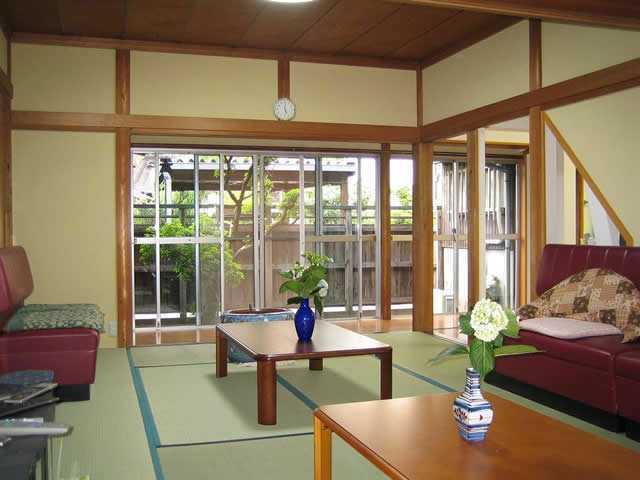 デイサービスほおずきの家(介護職/ヘルパーの求人)の写真:民家を改装した家庭的な雰囲気が特徴