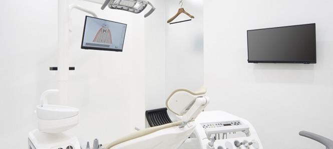 つもと歯科クリニック松原駅前(歯科衛生士の求人)の写真3枚目:★最新機器を設置!!半個室の診療室を完備♪