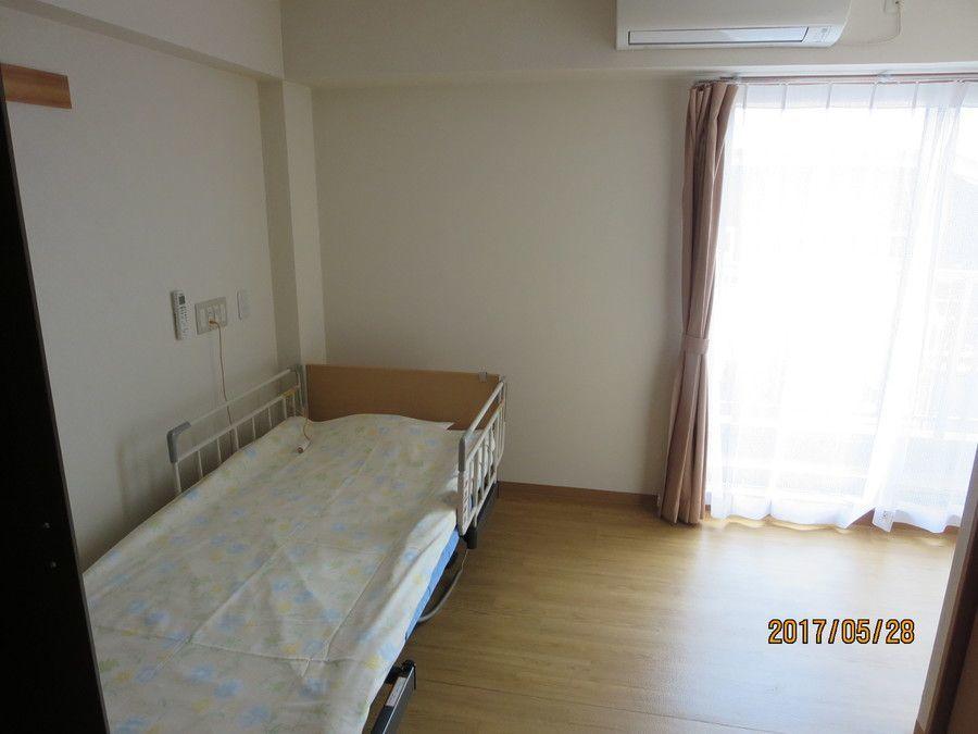 ライフコート西寺尾(管理職(介護)の求人)の写真5枚目:各居室は個室になります。