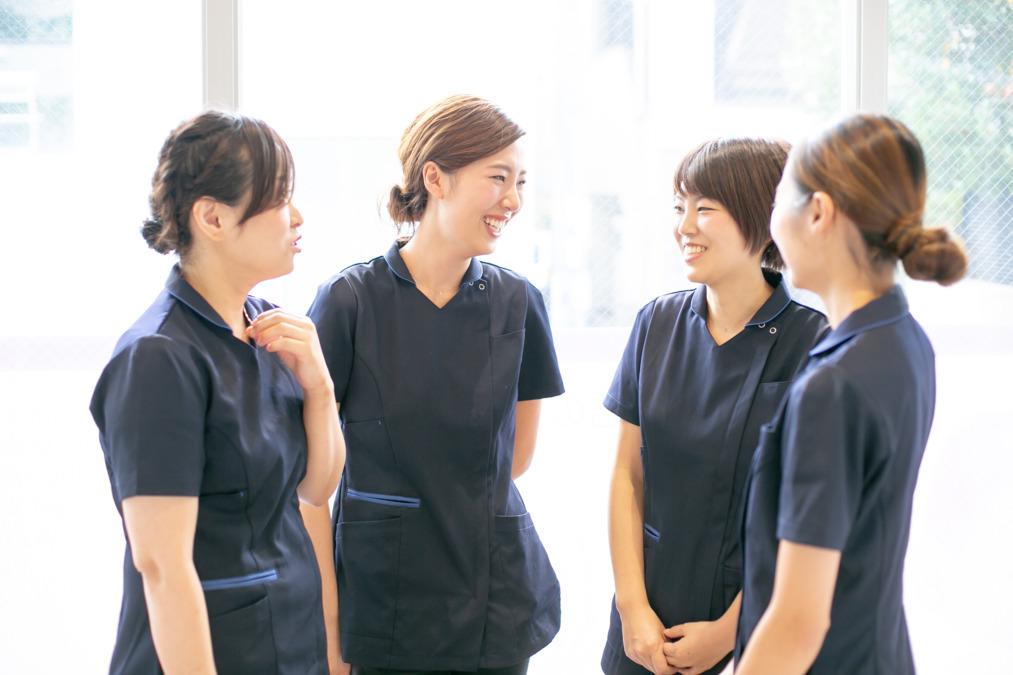 ママとこどものはいしゃさん(歯科衛生士の求人)の写真1枚目:【支え合う歯科衛生士】 担当制でありながら、情報を共有し、仕事の楽しさを実感☆彡