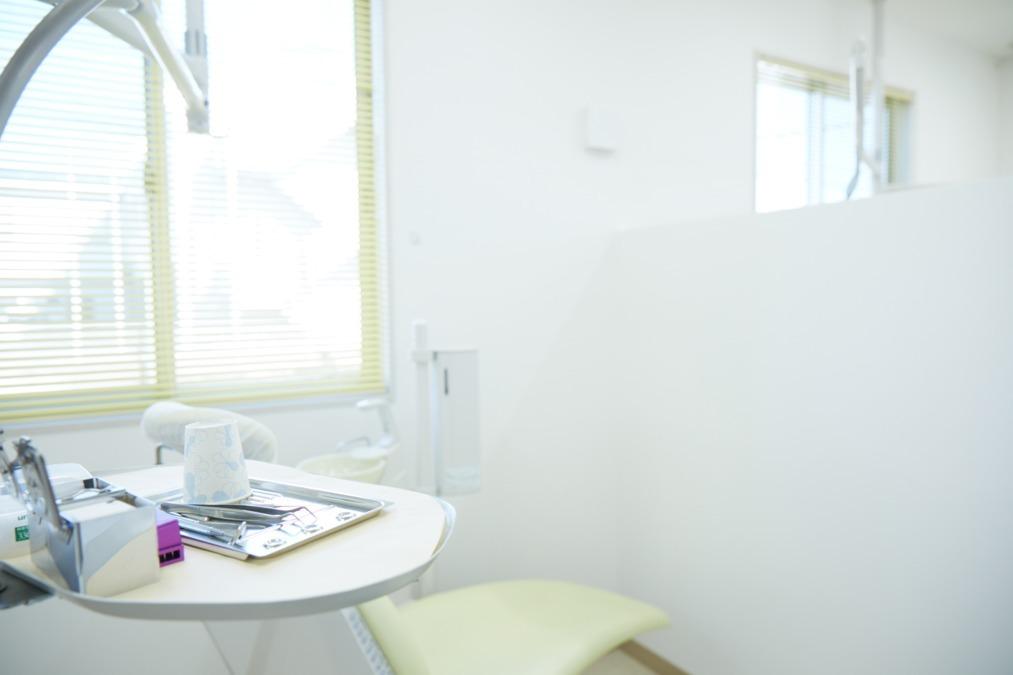 医療法人 古木歯科医院(歯科衛生士の求人)の写真:白を基調とした綺麗な診療室です♪