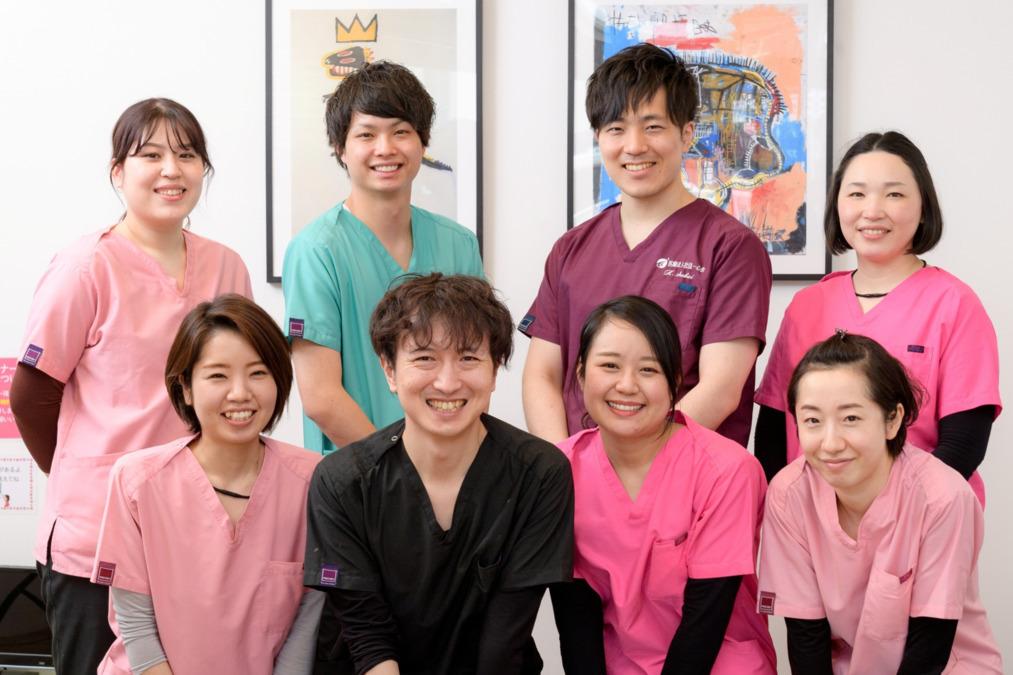 白石プライム歯科(歯科助手の求人)の写真:一心会は仲間を大切に、チームワークを大切に、みんなが笑顔で働いています。