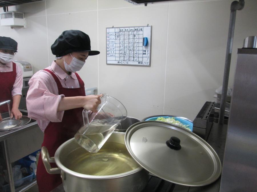 株式会社エポカフードサービス ドエル祇園内の厨房(管理栄養士/栄養士の求人)の写真:
