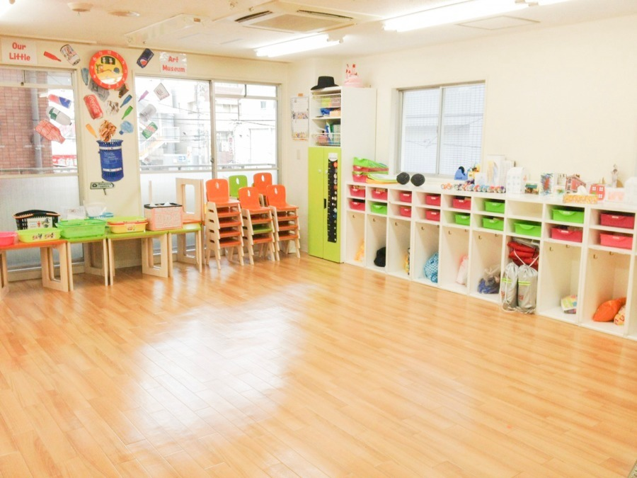 MilkyWay International School 本八幡本校(保育士の求人)の写真5枚目:木を基調とした綺麗な園で働けます!
