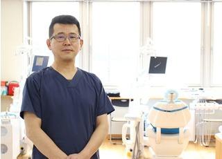 けいおう橋本駅歯科室の写真1枚目:院長の石川です。スタッフ全員で助け合い、じっくりと経験が積める環境が自慢です。