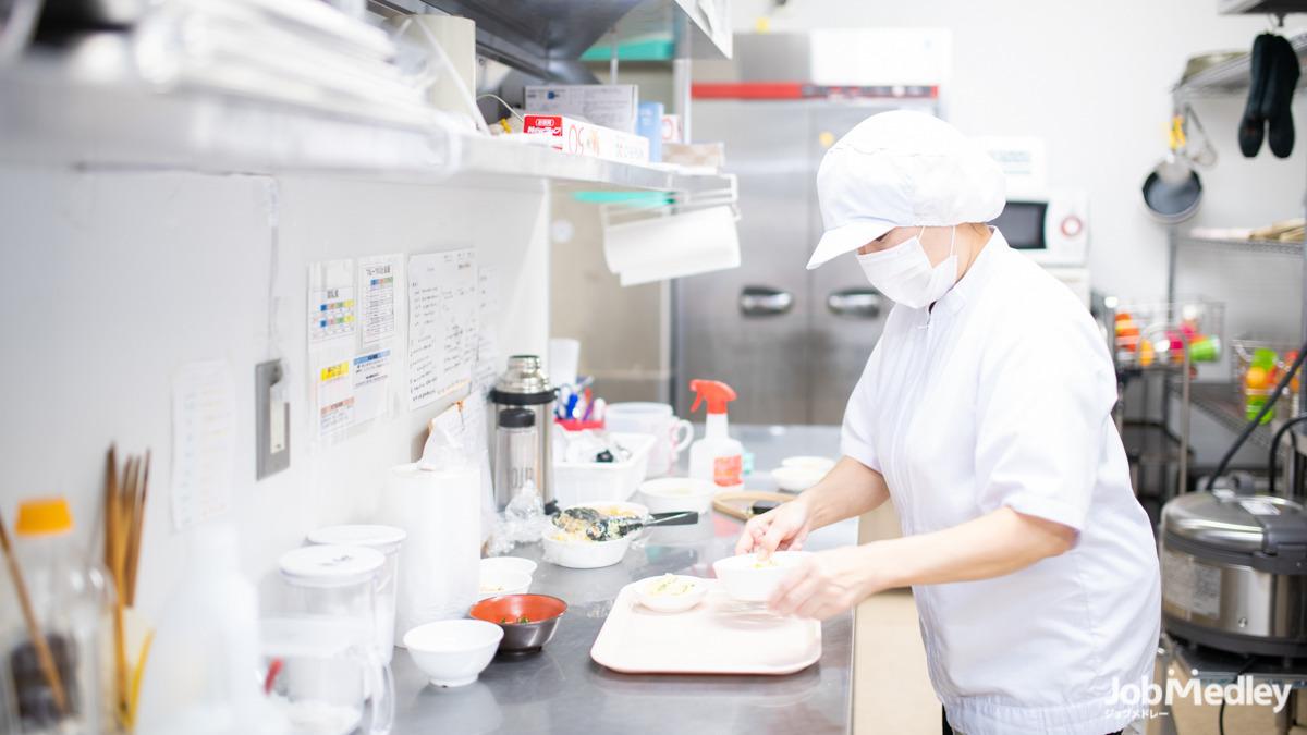 ほっぺるランド東立石(調理師/調理スタッフの求人)の写真1枚目: